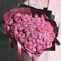 Букет из 51 пионовидной кустовой розы R79
