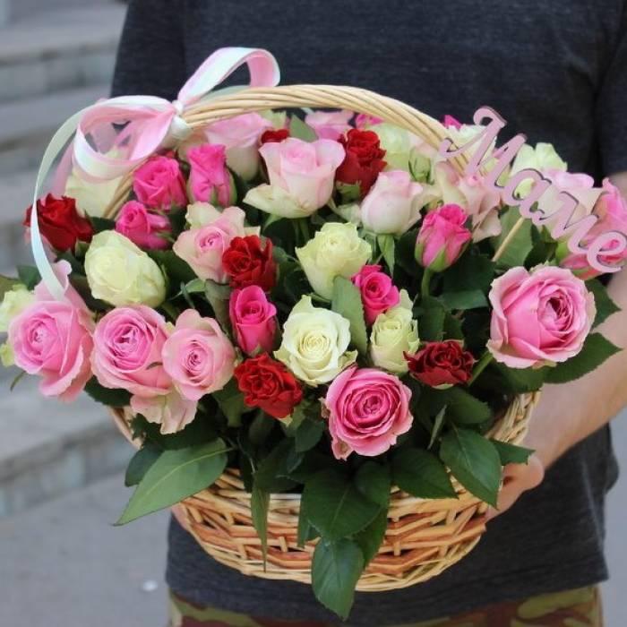 51 роза ассорти в корзине R499