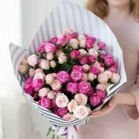 15 веток розовой пионовидной розы в крафте R032