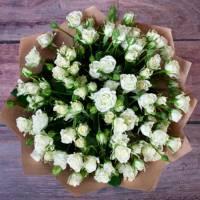 Букет 15 кустовых роз R018
